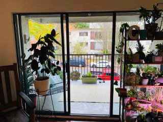 """Photo 1: 313 808 E 8TH Avenue in Vancouver: Mount Pleasant VE Condo for sale in """"Prince Albert Court"""" (Vancouver East)  : MLS®# R2518919"""