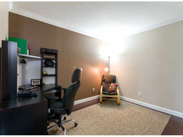 Photo 6: Photos: 414 5765 GLOVER Road in Langley: Langley City Condo for sale : MLS®# F1402300