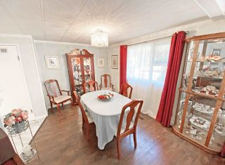 """Photo 9: 19 2306 198 Street in Langley: Brookswood Langley Manufactured Home for sale in """"CEDAR LANE SENIORS PARK"""" : MLS®# R2497884"""
