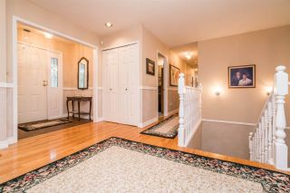 Photo 2: 2078 SANDSTONE Drive in Abbotsford: Abbotsford East House for sale : MLS®# R2231862