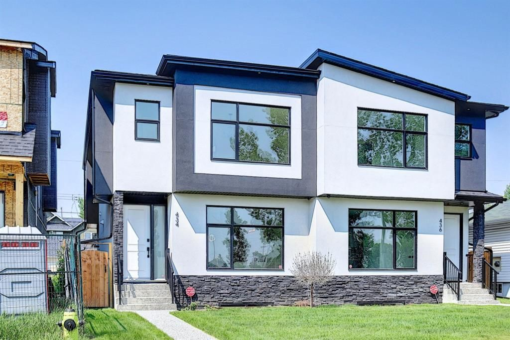 Main Photo: 434 18 Avenue NE in Calgary: Winston Heights/Mountview Semi Detached for sale : MLS®# A1132922