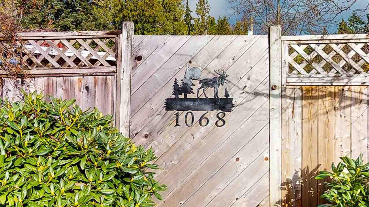 Main Photo: 1068 ROBERTS CREEK ROAD: Roberts Creek House for sale (Sunshine Coast)  : MLS®# R2520658