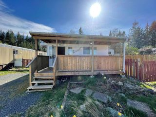 Photo 2: 5 2700 Woodburn Rd in : CR Campbell River North Manufactured Home for sale (Campbell River)  : MLS®# 873801