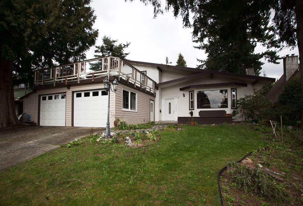 Main Photo: 5864 181A Street in Surrey: Cloverdale BC House for sale (Cloverdale)  : MLS®# R2043780