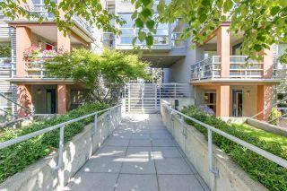 """Photo 1: 410 3161 W 4TH Avenue in Vancouver: Kitsilano Condo for sale in """"BRIDGEWATER"""" (Vancouver West)  : MLS®# R2199188"""