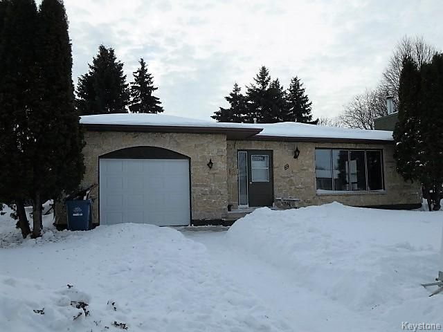 Maples 1,326 sq.ft,3 Br Bung, 2 Baths, Front Drive w/Attached Garage
