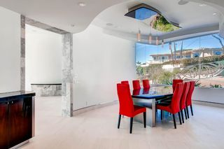 Photo 8: Residential for sale : 5 bedrooms :  in La Jolla