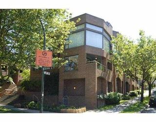 """Photo 2: 1 766 W 7TH Avenue in Vancouver: Fairview VW Townhouse for sale in """"WILLOW COURT"""" (Vancouver West)  : MLS®# V778487"""