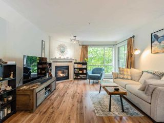 """Photo 4: 203 789 W 16TH Avenue in Vancouver: Fairview VW Condo for sale in """"SIXTEEN WILLOWS"""" (Vancouver West)  : MLS®# R2591113"""