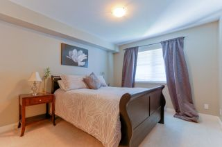 "Photo 12: 305 19340 65 Avenue in Surrey: Clayton Condo for sale in ""Esprit"" (Cloverdale)  : MLS®# R2045830"