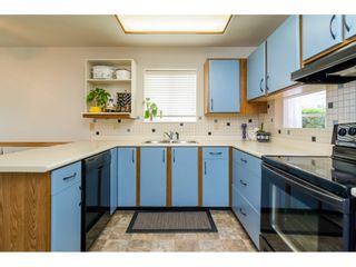 """Photo 10: 8 6537 138 Street in Surrey: East Newton Townhouse for sale in """"Charleston Green"""" : MLS®# R2105934"""