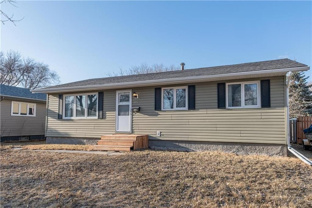 Welcome to 1137 Crestview Park Drive!