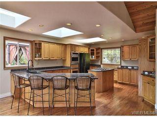 Photo 2: 101 Kiowa Pl in VICTORIA: SW West Saanich House for sale (Saanich West)  : MLS®# 653330