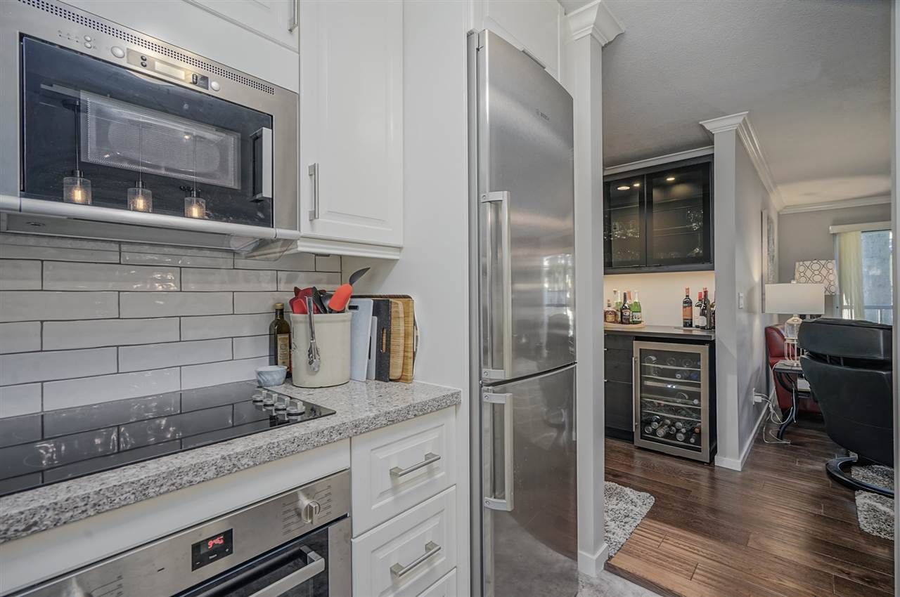 """Photo 12: Photos: 204 1441 BLACKWOOD Street: White Rock Condo for sale in """"the """" Capistrano """""""" (South Surrey White Rock)  : MLS®# R2390737"""