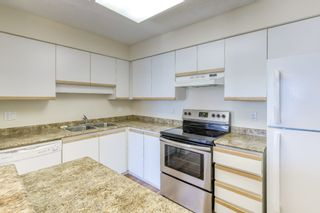 Photo 3: 605 11920 80 Avenue in Delta: Scottsdale Condo for sale (N. Delta)  : MLS®# R2503369