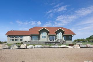 Photo 1: 400 Lakeshore Drive in Wee Too Beach: Residential for sale : MLS®# SK858460