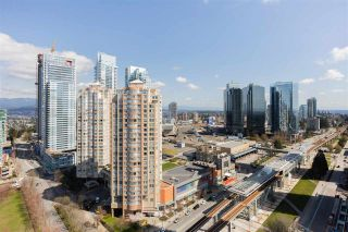 """Photo 7: 1901 6383 MCKAY Avenue in Burnaby: Metrotown Condo for sale in """"Gold House North Tower"""" (Burnaby South)  : MLS®# R2575637"""