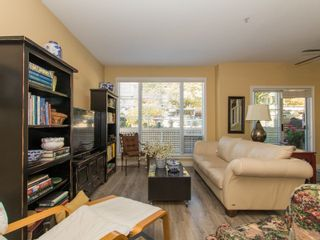 Photo 4: 1165 VIDAL STREET in South Surrey White Rock: White Rock Home for sale ()  : MLS®# R2101802