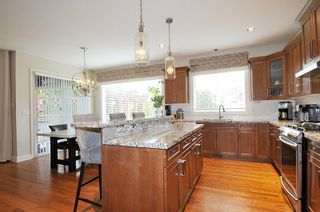 """Photo 8: 3307 MCTAVISH Court in Coquitlam: Hockaday House for sale in """"HOCKADAY"""" : MLS®# R2534836"""