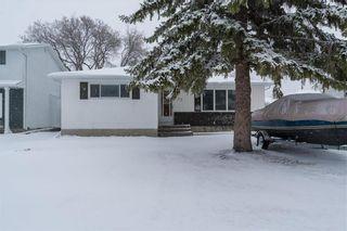 Photo 2: 27 West Avenue in Winnipeg: Westwood Residential for sale (5G)  : MLS®# 202108564