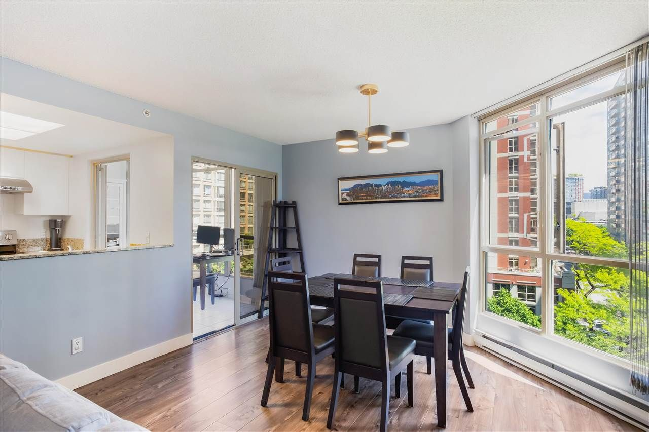 """Photo 9: Photos: 901 867 HAMILTON Street in Vancouver: Downtown VW Condo for sale in """"Jardine's Lookout"""" (Vancouver West)  : MLS®# R2588000"""