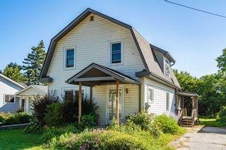 Photo 2: 7 Amanda Street: Orangeville House (1 1/2 Storey) for sale : MLS®# W4855044