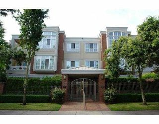 """Photo 1: 104 1010 W 42ND Avenue in Vancouver: South Granville Condo for sale in """"OAK GARDENS"""" (Vancouver West)  : MLS®# V715272"""