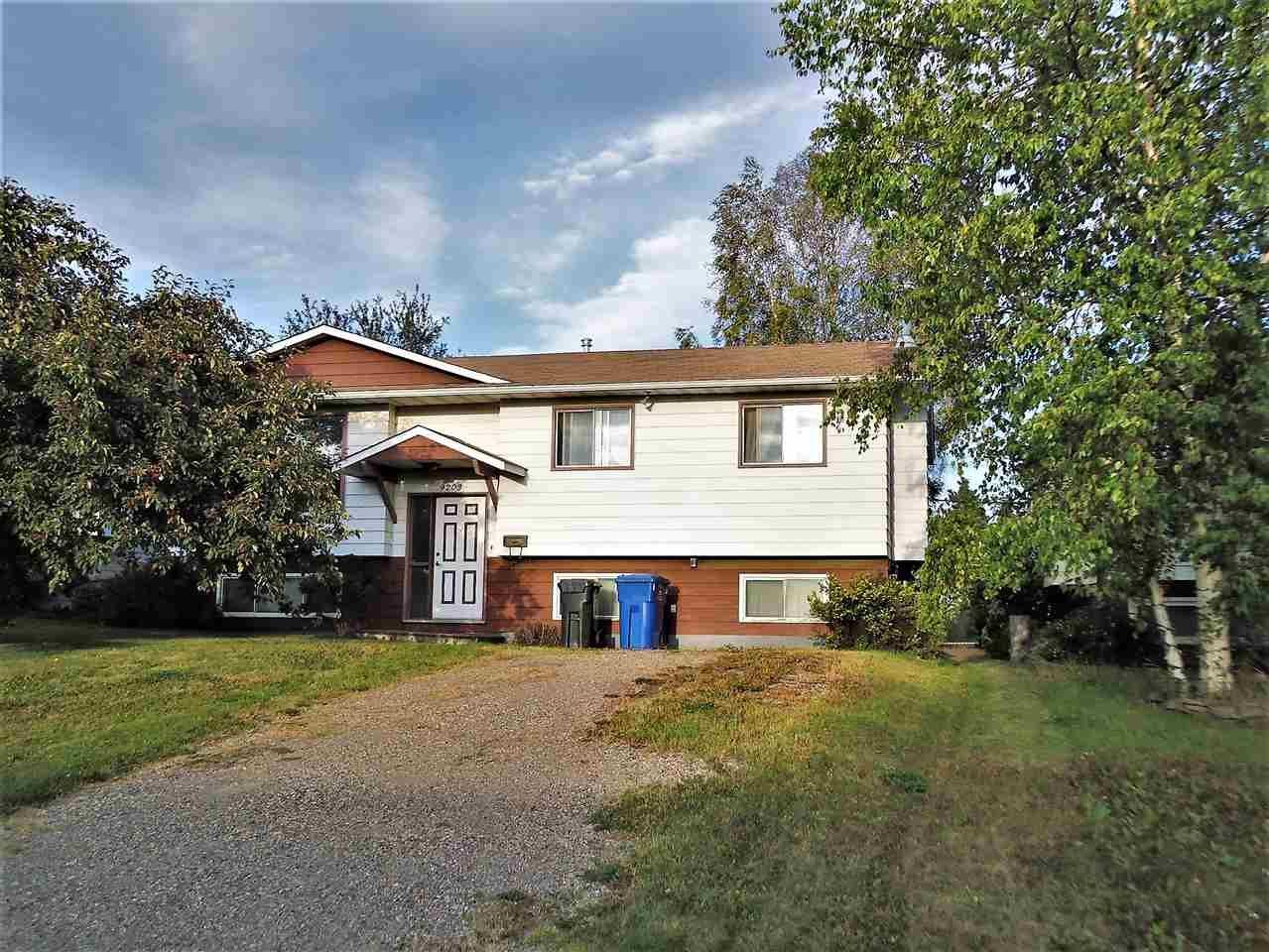 Main Photo: 9203 87 STREET in : Fort St. John - City SE House for sale : MLS®# R2201653