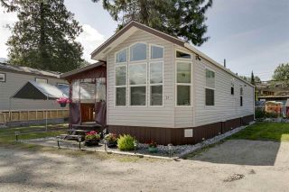 """Photo 1: 27 40022 GOVERNMENT Road in Squamish: Garibaldi Estates Manufactured Home for sale in """"Angelo's Trailer Park"""" : MLS®# R2379111"""