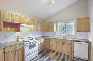Photo 3: 3027 Beil Avenue NW in Calgary: Brentwood Detached for sale : MLS®# A1117156