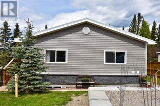 Photo 2: 112 Fir Avenue in Hinton: House for sale : MLS®# A1107925