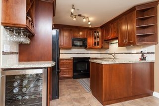 """Photo 15: 307 15941 MARINE Drive: White Rock Condo for sale in """"THE HERITAGE"""" (South Surrey White Rock)  : MLS®# R2408083"""