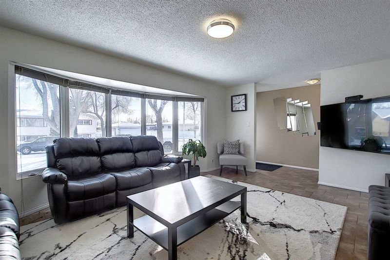 FEATURED LISTING: 6112 148 Avenue Edmonton