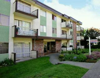 """Photo 1: 610 3RD Ave in New Westminster: Uptown NW Condo for sale in """"Jae Mar Court"""" : MLS®# V618519"""