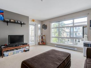 """Photo 2: 307 15168 19TH Avenue in Surrey: Sunnyside Park Surrey Condo for sale in """"The Mint"""" (South Surrey White Rock)  : MLS®# R2070329"""