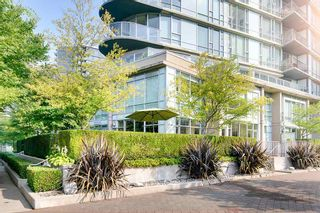 """Photo 18: TH 106 918 COOPERAGE Way in Vancouver: Yaletown Townhouse for sale in """"MARINER"""" (Vancouver West)  : MLS®# R2366351"""