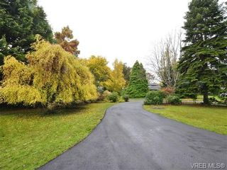 Photo 3: 2990 Rutland Rd in VICTORIA: OB Uplands House for sale (Oak Bay)  : MLS®# 719689