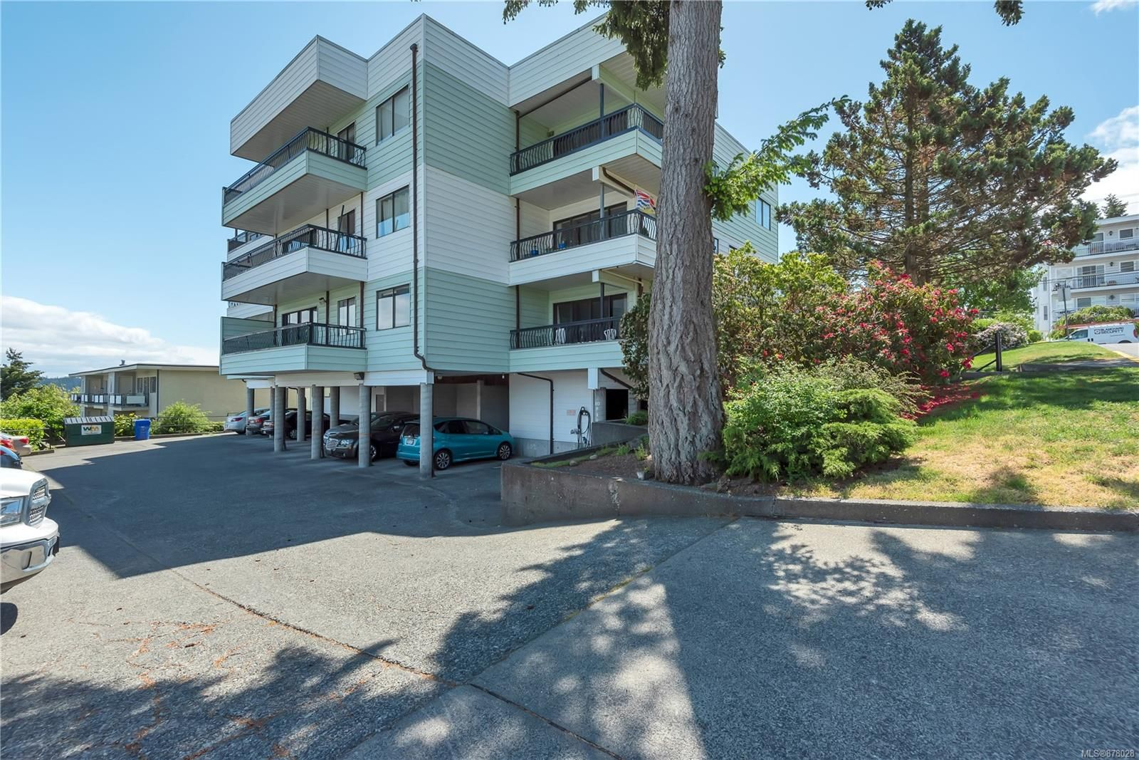 Main Photo: 204 907 Cedar St in : CR Campbell River Central Condo for sale (Campbell River)  : MLS®# 878028