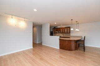 Photo 22: 201 1695 Comox Ave in : CV Comox (Town of) Condo for sale (Comox Valley)  : MLS®# 878188