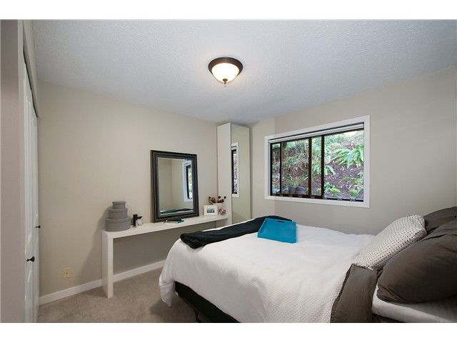 Photo 11: Photos: 2045 CLIFFWOOD RD in North Vancouver: Deep Cove House for sale : MLS®# V1106333