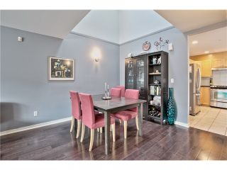 """Photo 14: 520 ST GEORGES Avenue in North Vancouver: Lower Lonsdale Townhouse for sale in """"STREAMLNE PLACE"""" : MLS®# V1055131"""
