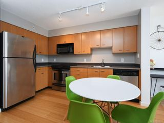 Photo 7: 601 751 Fairfield Rd in Victoria: Vi Downtown Condo for sale : MLS®# 838043