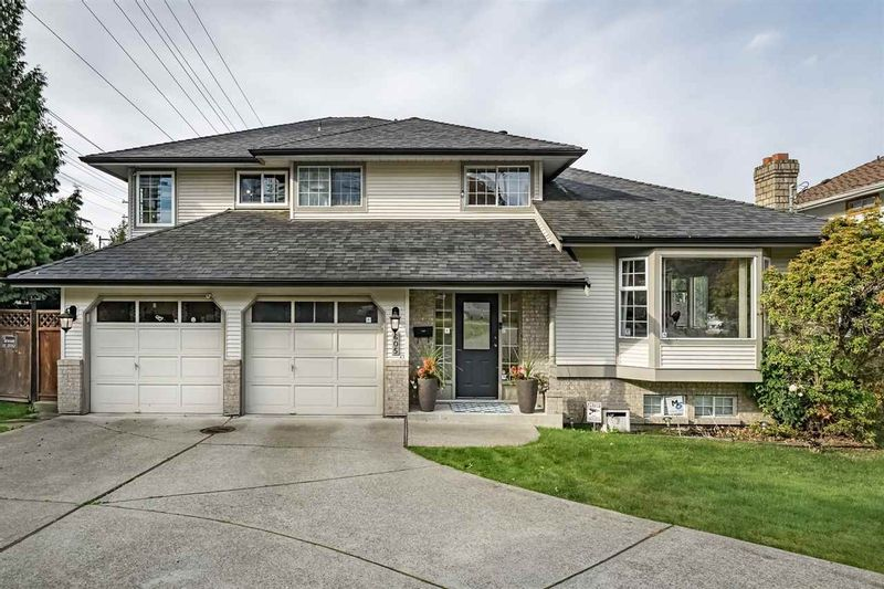 FEATURED LISTING: 605 CLAREMONT Street Coquitlam