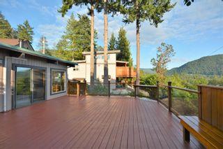 Photo 2: 13306 DELLER Road in Garden Bay: Pender Harbour Egmont House for sale (Sunshine Coast)  : MLS®# R2612077