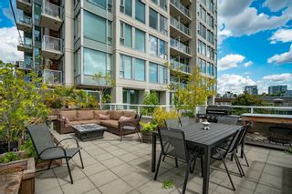 """Main Photo: 16 550 TAYLOR Street in Vancouver: Downtown VW Townhouse for sale in """"The Taylor"""" (Vancouver West)  : MLS®# R2604769"""