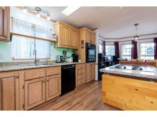 "Photo 11: 83 43201 LOUGHEED Highway in Mission: Dewdney Deroche Manufactured Home for sale in ""Nicomen Village"" : MLS®# R2529405"