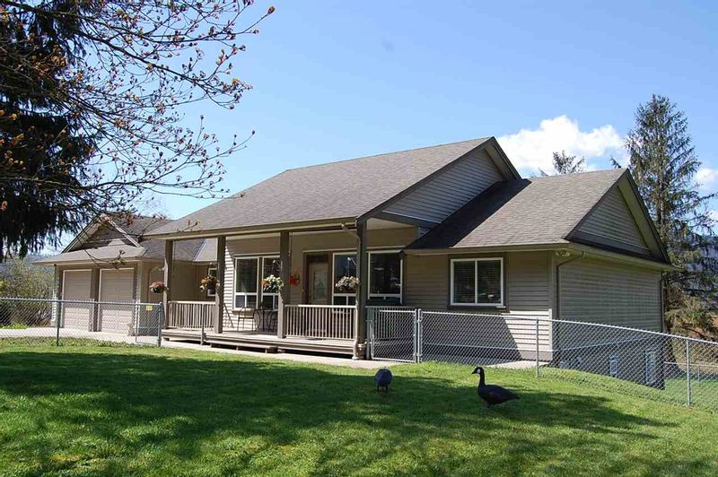 FEATURED LISTING: 10991 SYLVESTER Road Mission