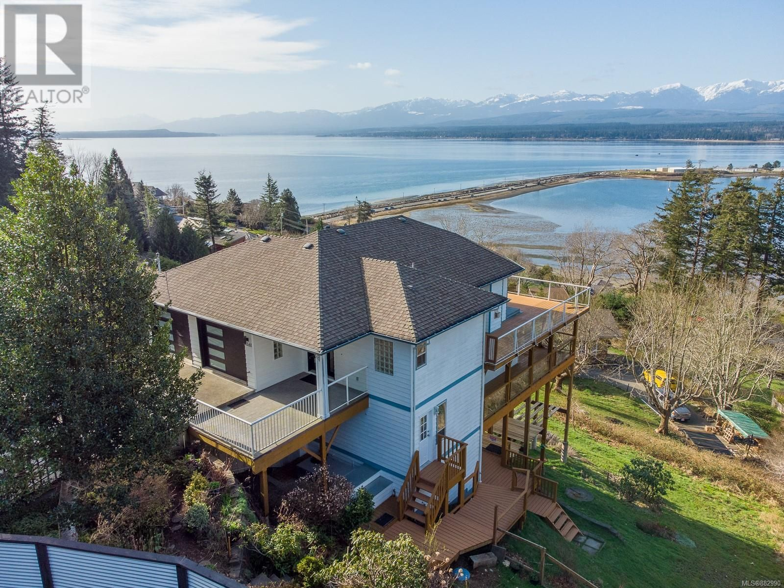 Main Photo: 1161 Moore Rd in Comox: House for sale : MLS®# 882990