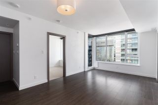 Photo 3: 1112 68 SMITHE Street in Vancouver: Downtown VW Condo for sale (Vancouver West)  : MLS®# R2588565