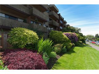 """Photo 9: # 416 2366 WALL ST in Vancouver: Hastings Condo for sale in """"LANDMARK MARINER"""" (Vancouver East)  : MLS®# V1010845"""